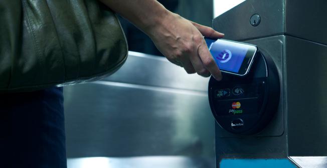 Внедрение бесконтактной оплаты с помощью мобильных телефонов в московском метро откладывается